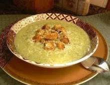 Kreminė špinatų ir bulvių sriuba
