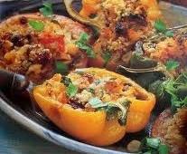Įdaryti pomidorai ir paprikos