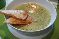 Kreminė saliero šaknies ir špinatų sriuba