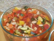 Daržovių sriuba pilna vitaminų