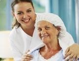 Šampūno kepuraitės: pagalba sunkiausiems ligoniams – parama juos slaugantiems