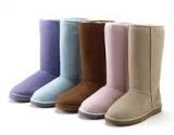 Ugg stiliaus batai kenkia pėdoms