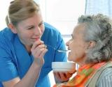 Slaugykime atsakingai: kodėl slaugomam ligoniui ne visada pakanka su meile pagamintos trintos sriubytės?