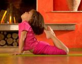 Joga padeda vaikams atrasti pusiausvyrą