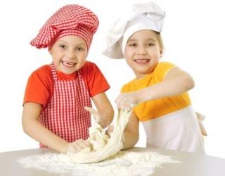 Kaip saugiai ruošti ir laikyti maistą?