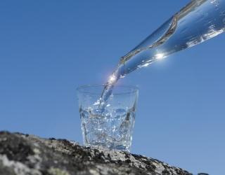 Kaip teisingai gerti vandenį?