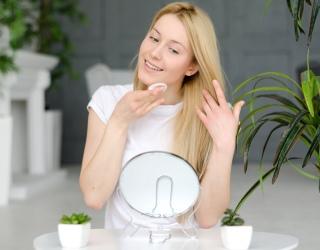 Ar įmanoma efektyviai nuvalyti jautrią odą jos nesudirginant?