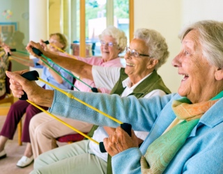 Fizinis aktyvumas senyvame amžiuje – motyvaciją didina fizinė veikla su bendraminčiais